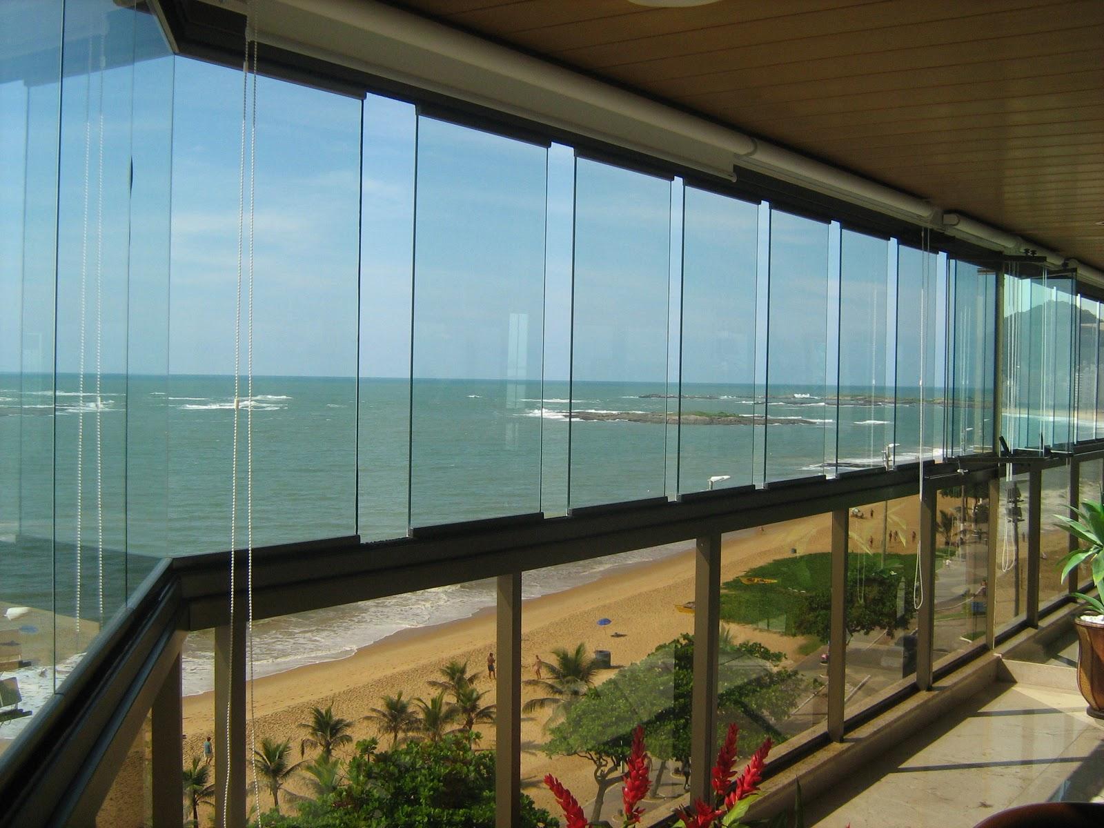 #604628 Envidraçamento de Varanda Esquadrias e Venezianas no Rio de Janeiro 4132 Grade De Aluminio Para Janela Rio De Janeiro